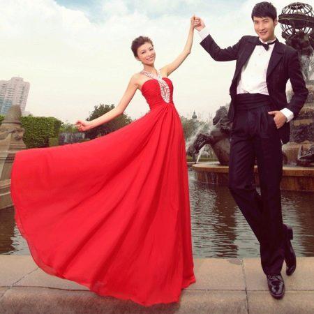 Красное простое свадебное платье