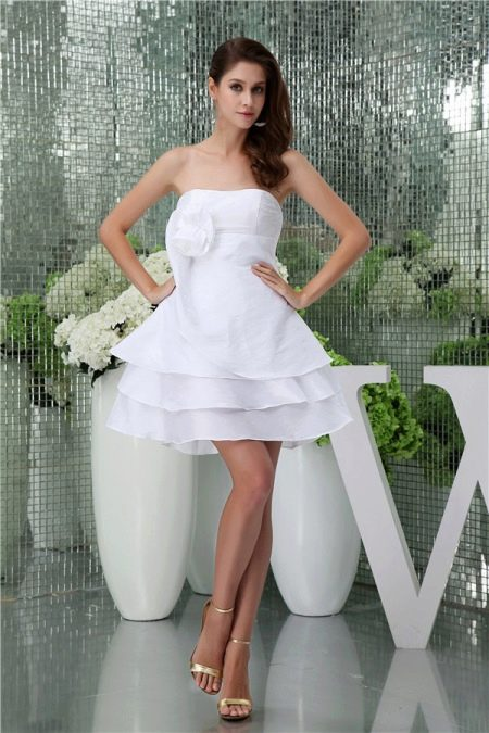 Простое короткое платье для невесты