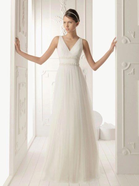 Свадебное платье простого фасона