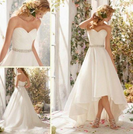 Простое свадебное платье, короткое спереди и длинное сзади