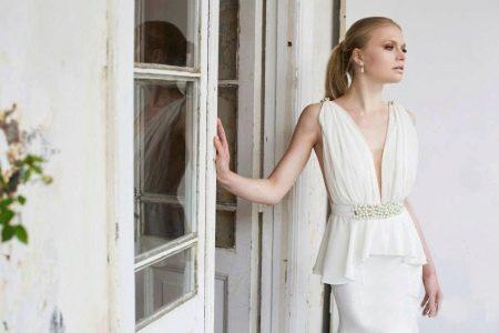 Свадебное сексуальное платье с глубоким вырезом
