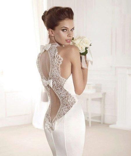 Сексуальное свадебный наряд с закрытой линией груди и открытой спиной