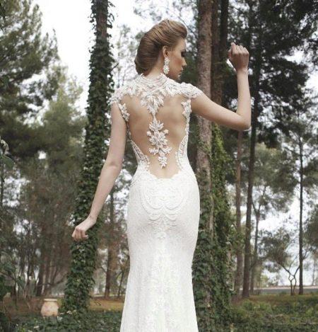 Открытая спина в сексуальном свадебном платье