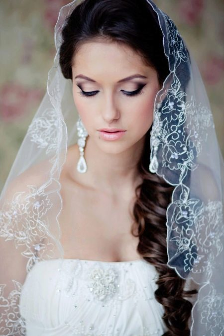 Фата для невест с маленьким ростом на свадьбу