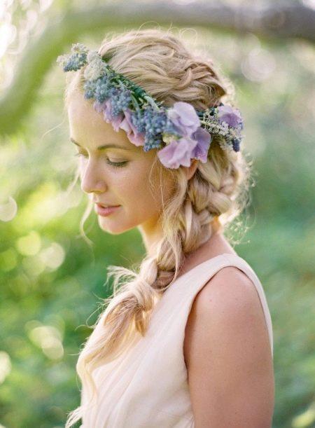 Прическа для невесты - лавандовая свадьба