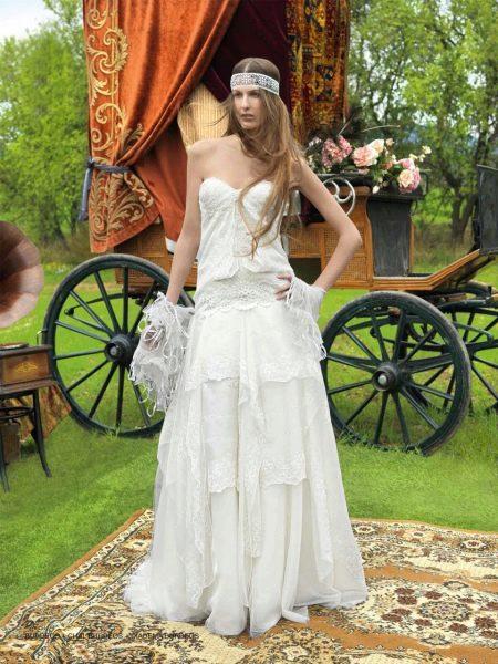 Свадебное платье с многоярусной