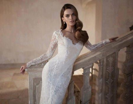 Свадебное платье из кружева и страз