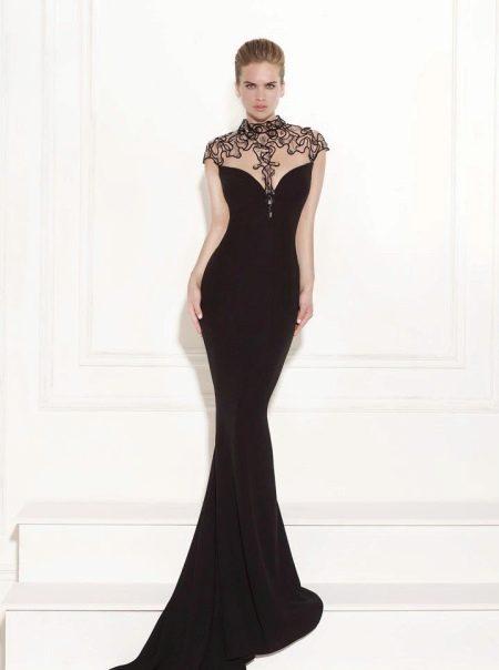 Черное платье с ажурным верхом