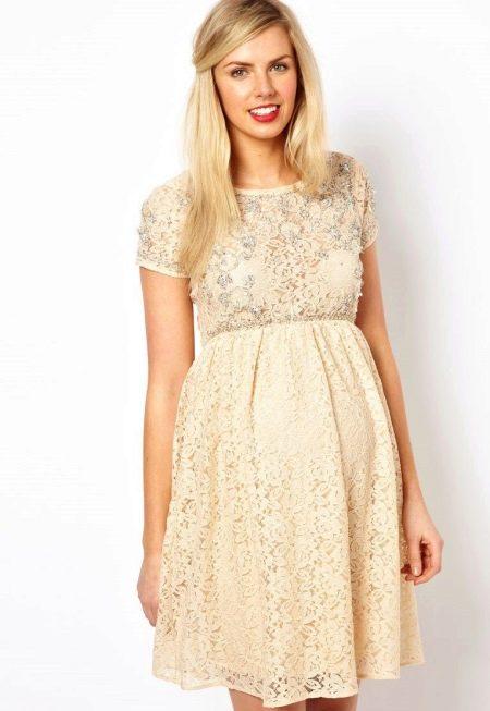 Бежевое свадебное платье ажурное для беременных