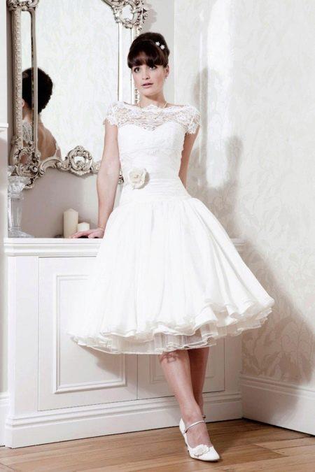 Свадебное короткое скромное платье