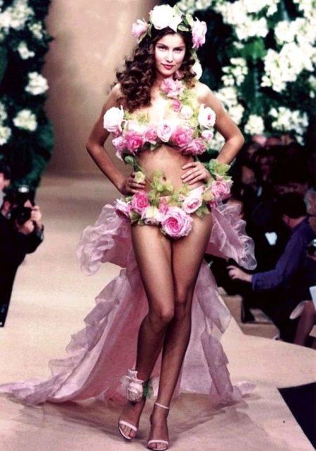 откровенное свадебное платье из живых цветов