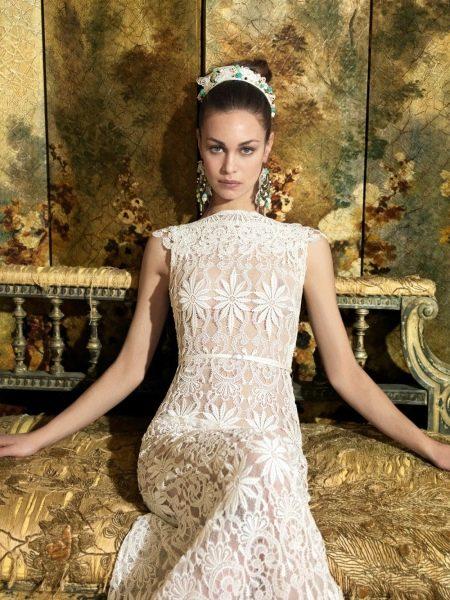 Свадебное платье с крупным кружевом