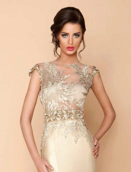 Свадебное платье с контрастным кружевом