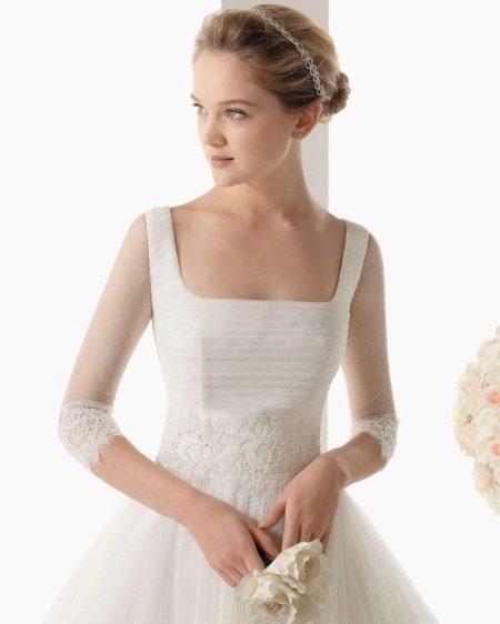 Ажурный пояс на свадебном платье
