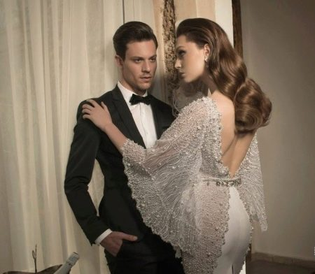 Свадебное платье с рукавами, украшенными паетками и бусинками