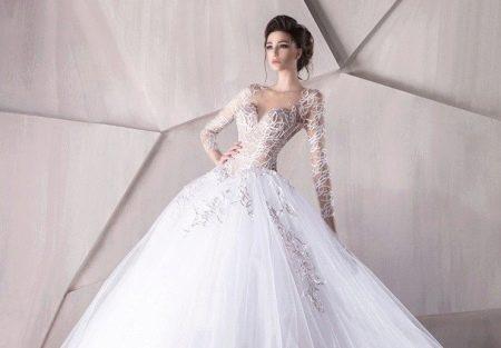 Свадебное платье с ажуром на рукавах
