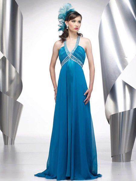 Синее греческое платье с глубоким декольте