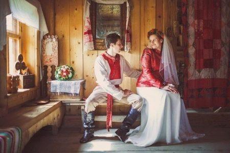 Свадебное платье в русском стиле с фатой