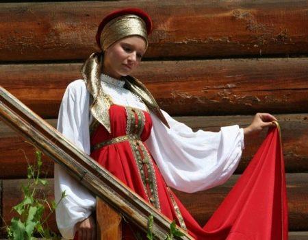 Свадебный красный сарафан в русском стиле