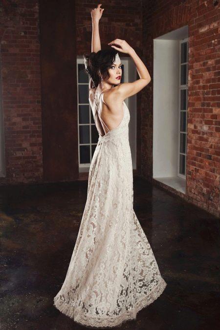 Свадебное платье в стиле рустик с открытой спиной