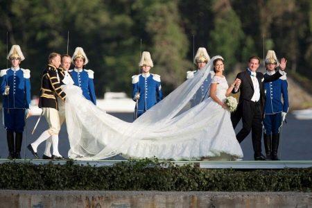 Свадебное платье со шлейфом Принцессы Мадлен