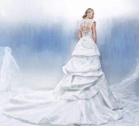 Свадебное пышное платье из парчи
