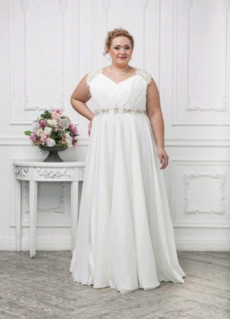 Свадебное платье для полных с присобранной юбкой