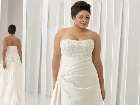 Платье с корсетом для полных на свадьбу