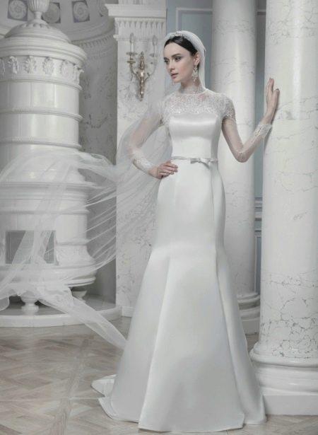Свадебное платье для венчания закрытое с фатой