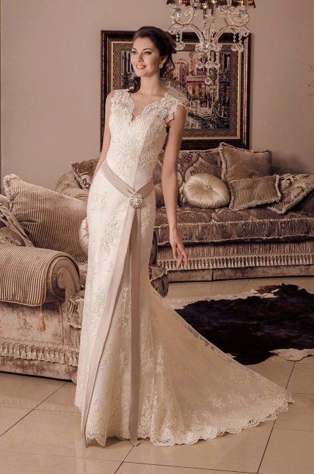 Свадебное платье от Viktoria Karandasheva с кружевом
