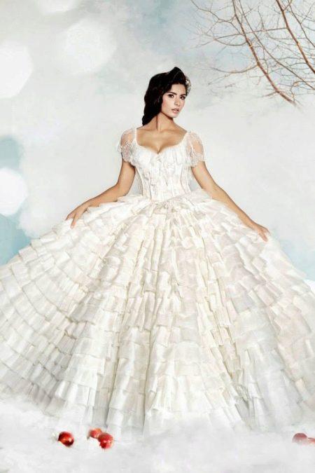 Свадебное платье пышное с рюшами