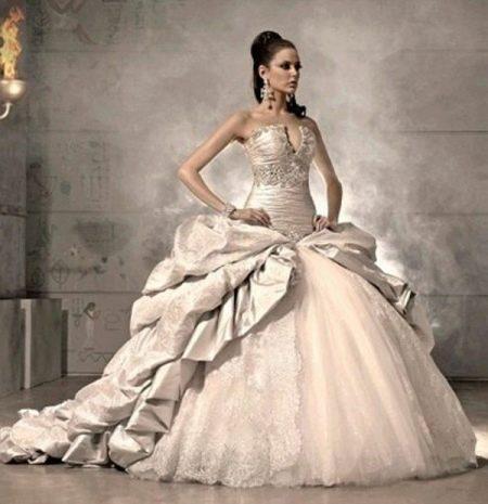 Пышное свадебное платье в стиле рококо