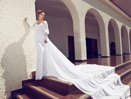 Свадебное платье от Julie Vino со шлейфом