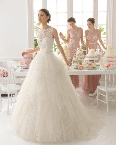 Свадебное платье с пышной юбкой для т-образной фигуры