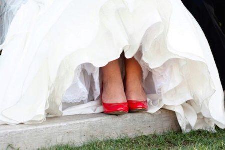 Красные туфли - свадебное платье