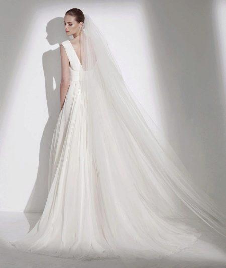 Свадебные платья с открытой спиной: с рукавами, со шлейфом, прямое (47 фото)
