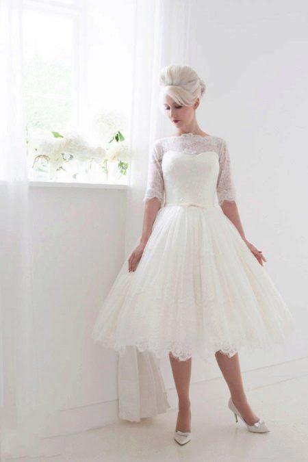 короткое свадебное платье с закрытым верхом