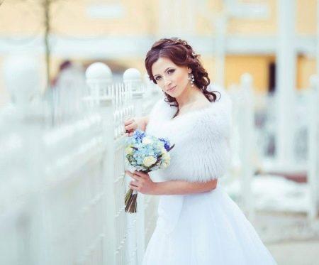Свадебное платье с меховой шубкой