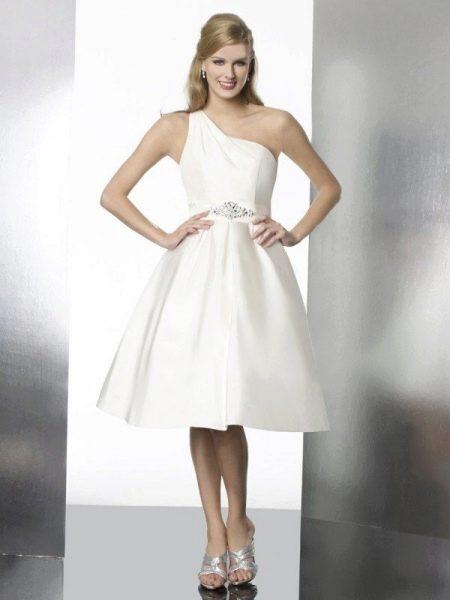 Короткое свадебное платье ампир на одно плечо