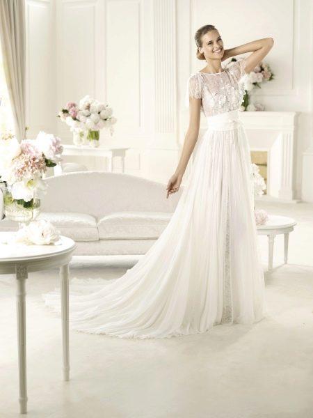 Свадебное платье ампир  из шифона и кружева