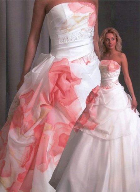 Свадебное платье с рисунком страшное