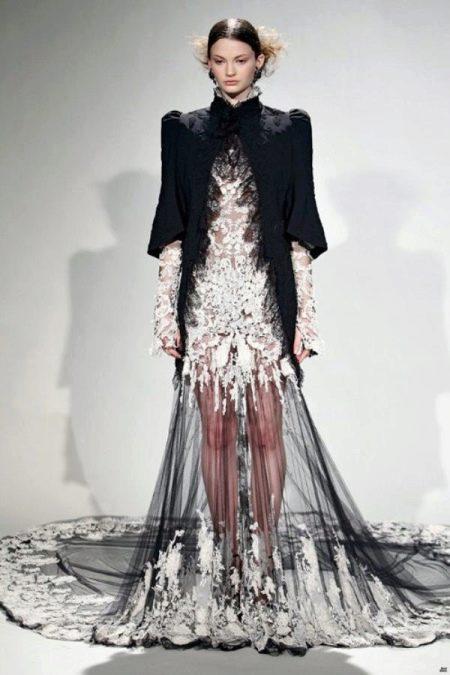 Страшное платье свадебное с черным болеро