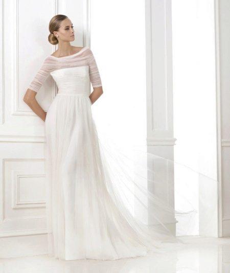 Свадебное платье закрытое с рукавами из фатина