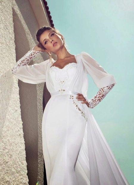 Свадебное платье с рукавом джульета
