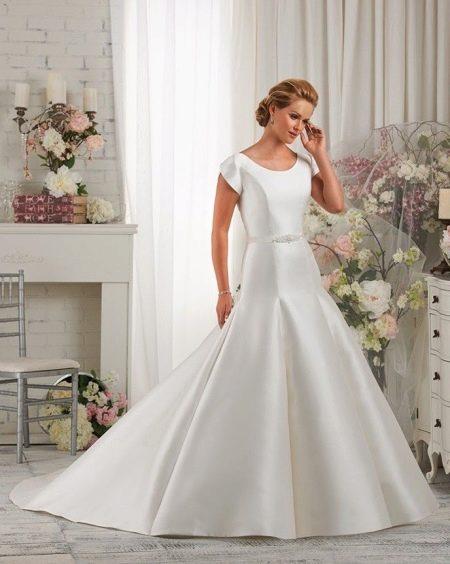 Свадебное платье русалка с рукавом тюльпан