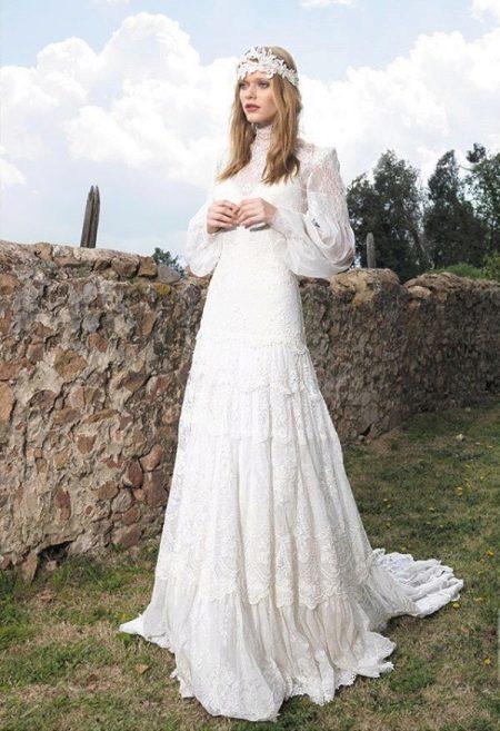Закрытое свадебное платье с рукавом бишоп