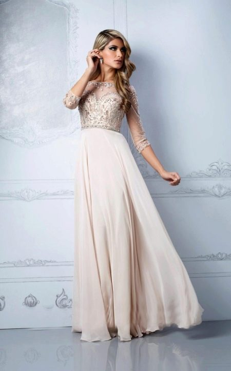 Вечернее платье бежевого цвета с более темным верхом