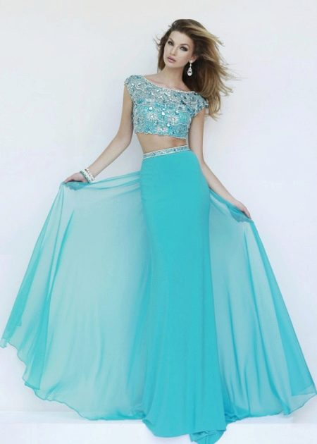 Вечернее платье цвета бирюза