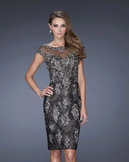 Вечернее платье от La Femme короткое