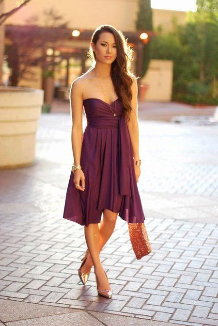 Оранжевая сумка к фиолетовому платью
